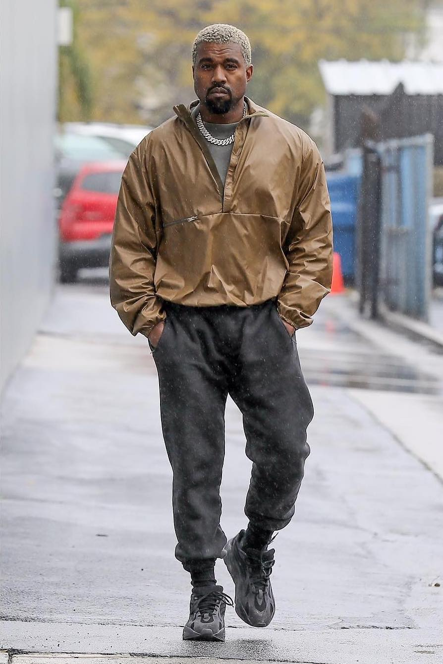 SPOTTED: Kanye West Walks Through the Rain in LA – PAUSE ...
